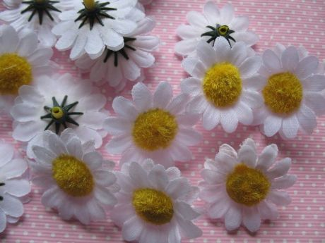 10 X 1.5 INCH WHITE DAISY FLOWER APPLIQUE EMBELLISHMENTS HEADBANDS BOWS PLAQUES CARD MAKING